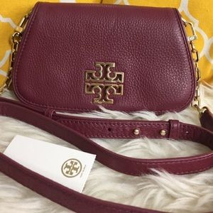 Tory Burch 2 in 1 crossbody clutch in burgundy